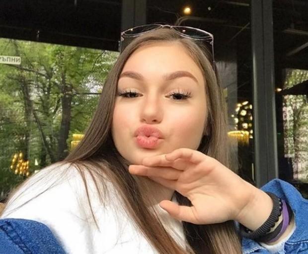 Любимка на Слави Трифонов е полудяла от любов! СНИМКА